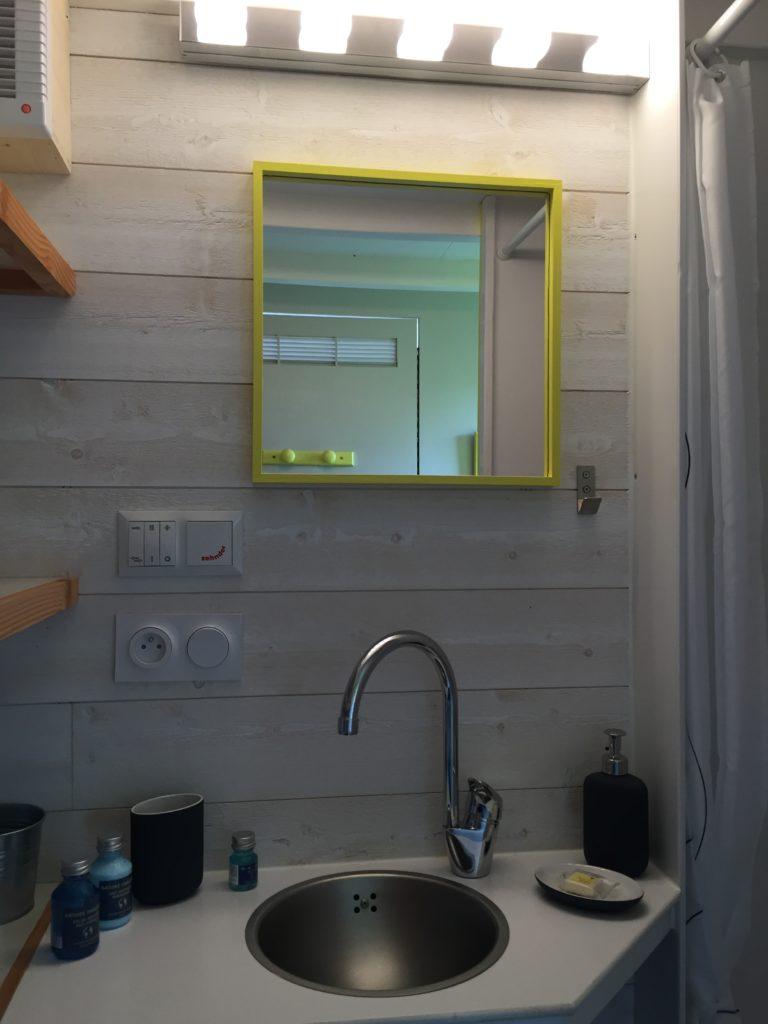 petit lavabo salle de bain tiny house
