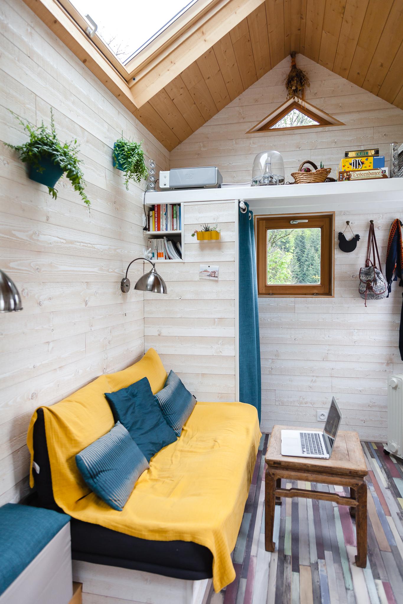vendue tiny house d 39 occasion en savoie collectif tiny house. Black Bedroom Furniture Sets. Home Design Ideas