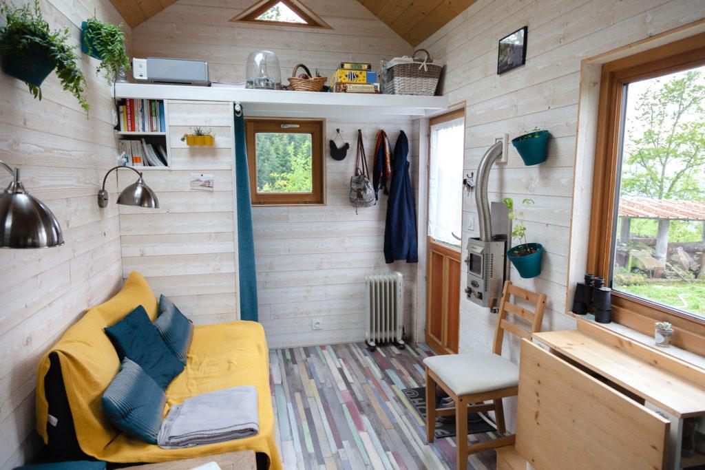 tiny-house-vendre-savoie-salon-3