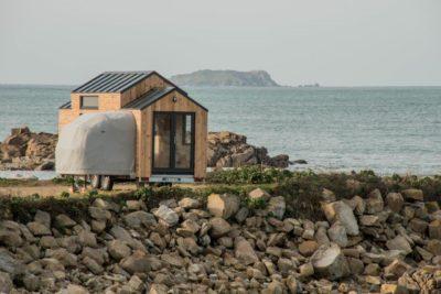 À vendre : une tiny house à soufflet en Bretagne !